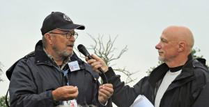 Staffan Åkeby intervjuas av Rikard Lemann inför storksläppet